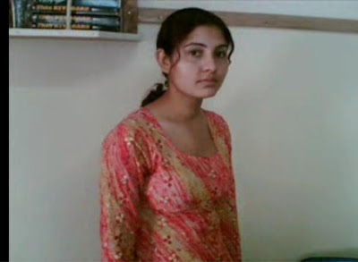 Sonia Khan Picture Without Duppata