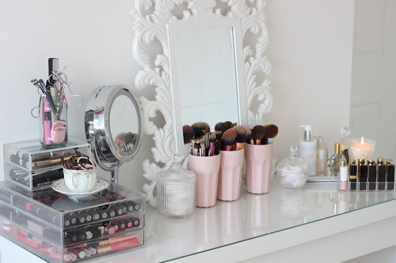 Room Tour, Dressing Table and Make Up Collection. title=