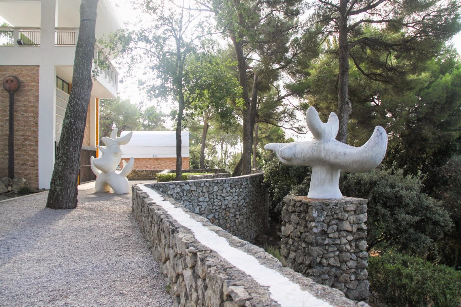 fondation maeght,saint-paul de vence,musée,hello riviera,miro,calder,fernand léger,
