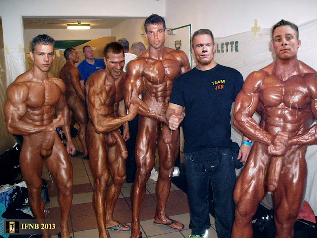 Ifnb Pro Naked Heavyweight Bodybuilder Jk Roher Fourth From Left Poses