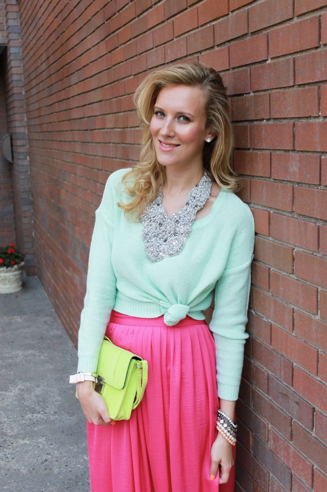 pic6-bcbg-pink-maxi-skirt-zara-studded-sandals-statement-necklace-mint-sweater