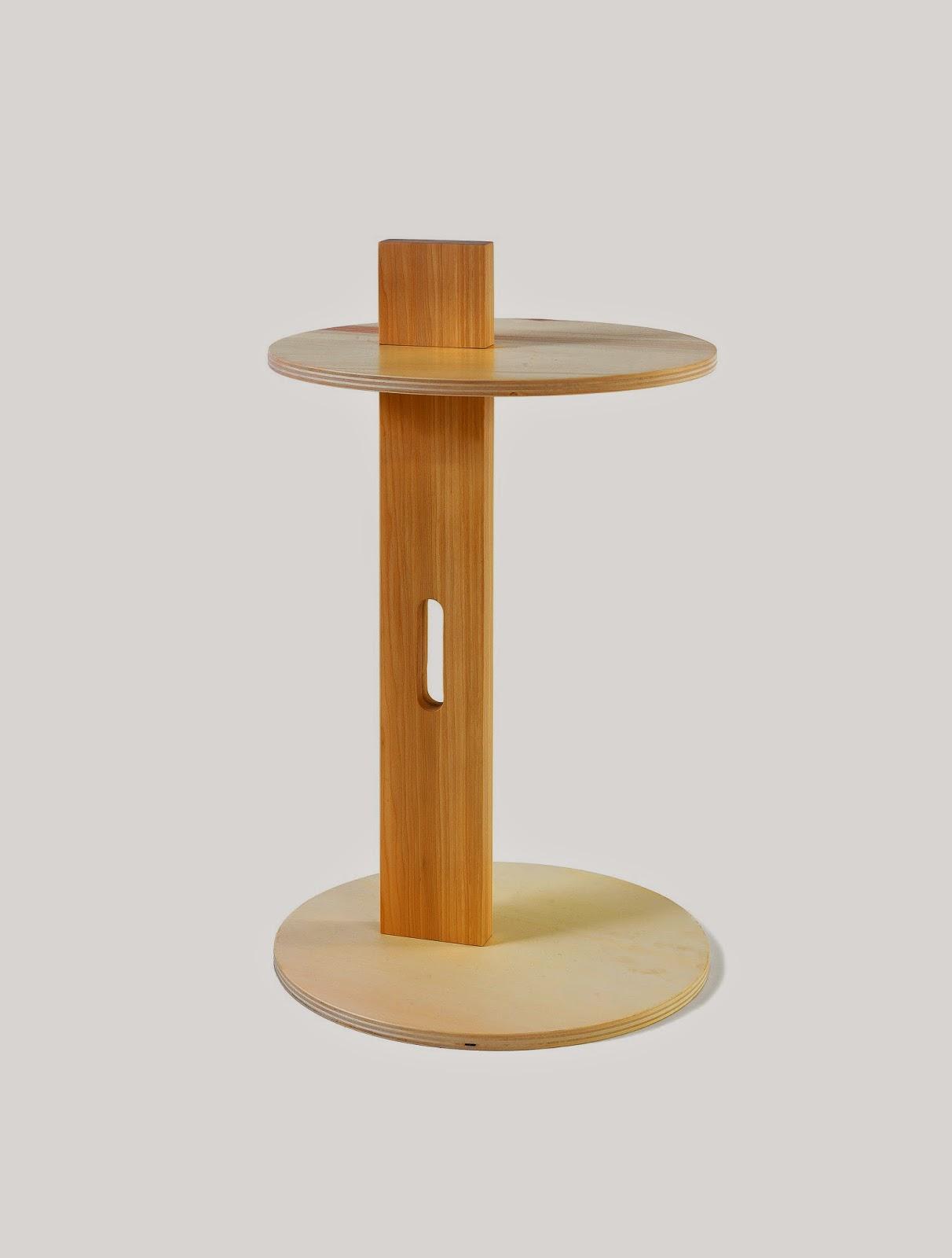 http://www.cabbdesign.com/it/arredamento-moderno/13-tavolino-rotondo-in-legno-eileen.html