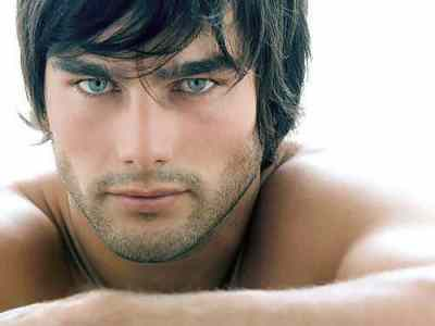 Man-With-Beautiful-Eyes - How to Flirt With Your Eyes
