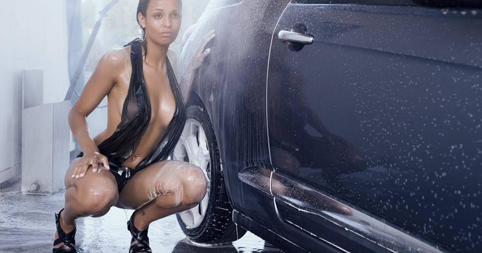 голые мокрые девушки на фото с машиной