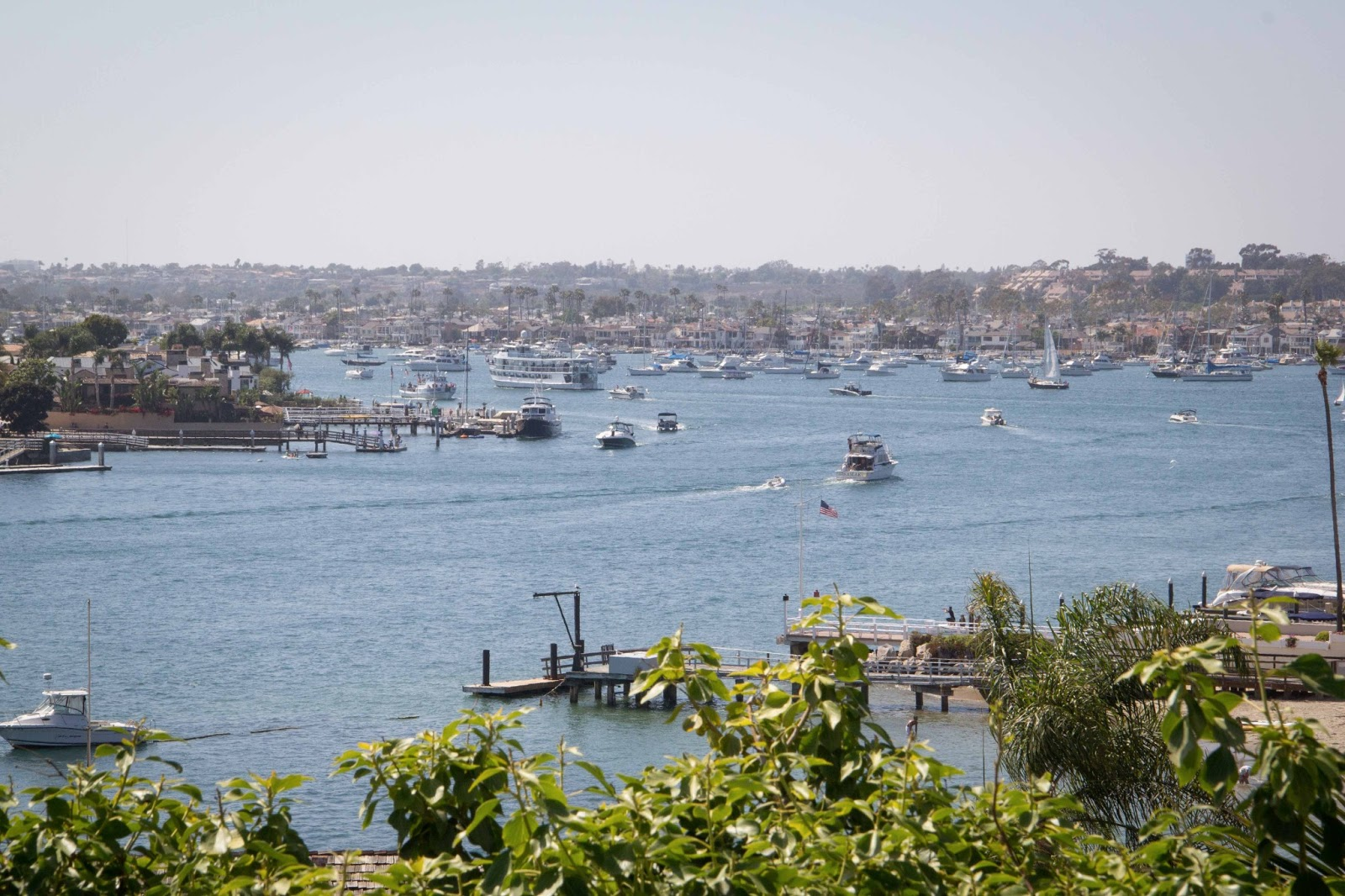 newport beach single parents Sprawling across 15 waterfront acres of pristine southern california coastline, balboa bay resort is one of the top hotels in newport beach, california.