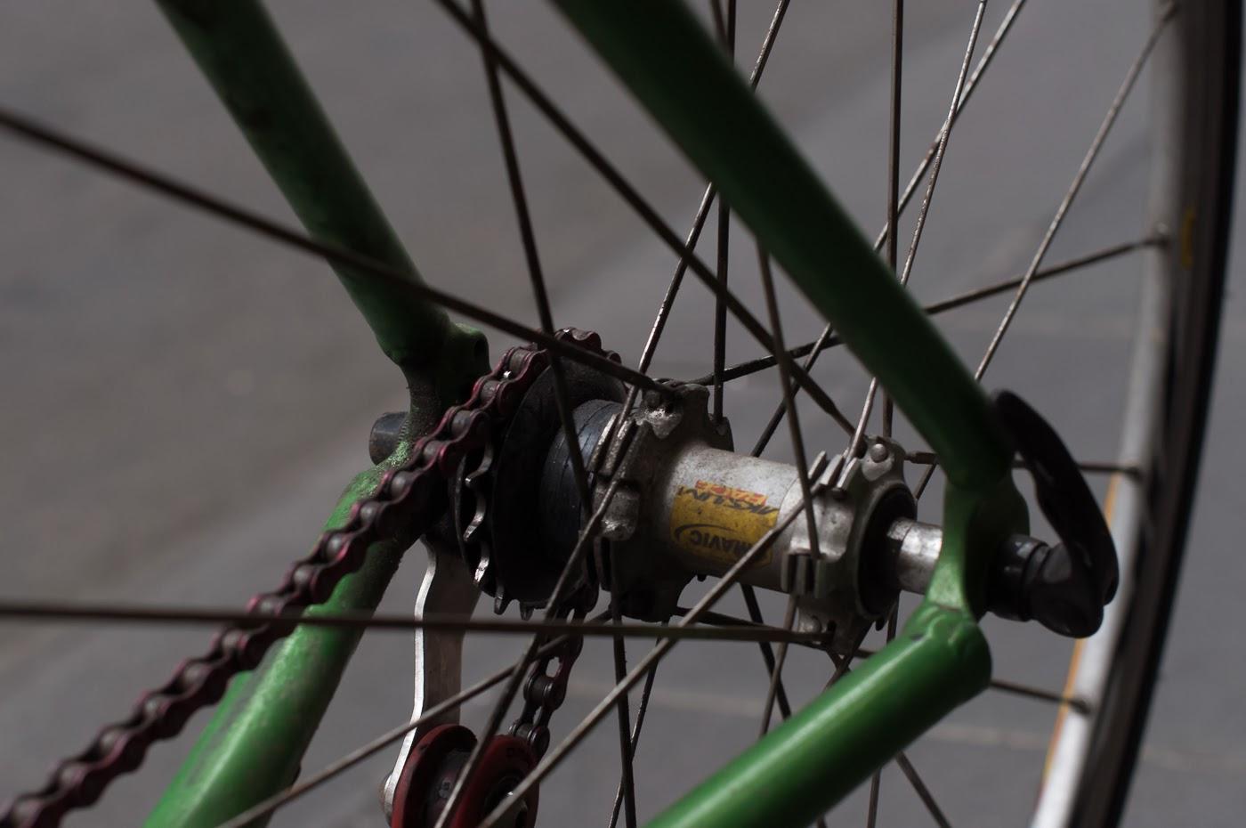 single speed, bike, bicycle, tim macauley, the biketorialist, melbourne, conversion, chain, tensioner road bik, mavic, rear hub, cassette spacers, spacers