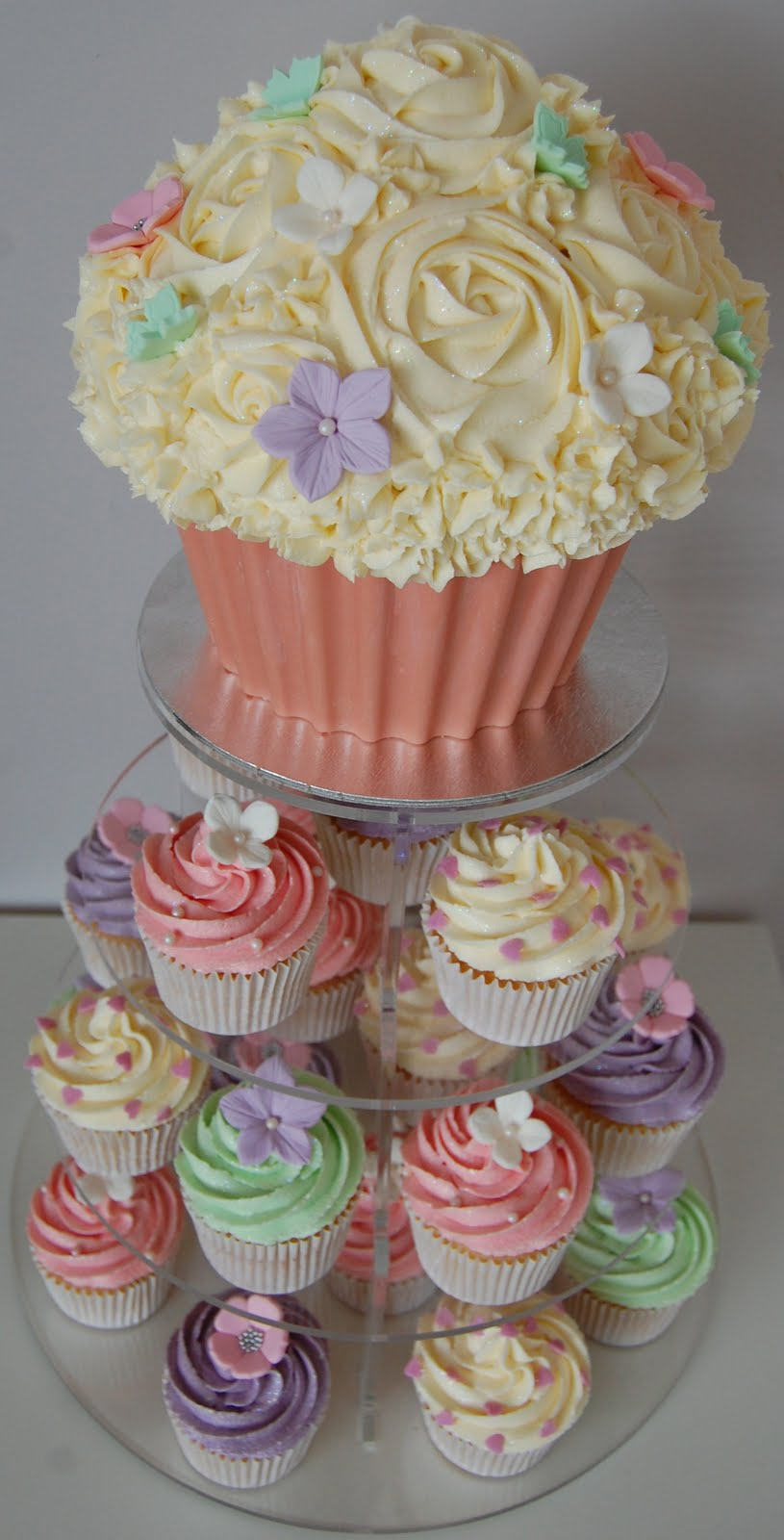 Little Paper Cakes Pastel Giant Cupcake And Matching Cupcake Tower
