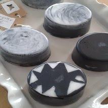 Mýdlo s aktivním uhlím