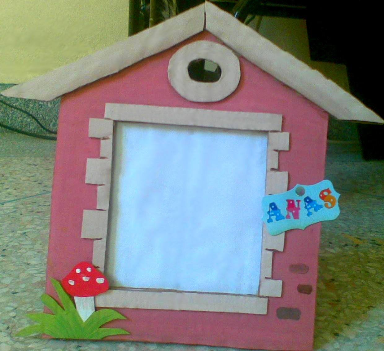 Scrap et cr ations cadre en carton pour enfant th me for Cadre pour maison