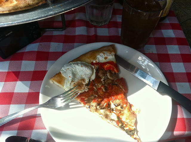 Grimaldi's-Pizza-Brooklyn,NY-Summer-2012