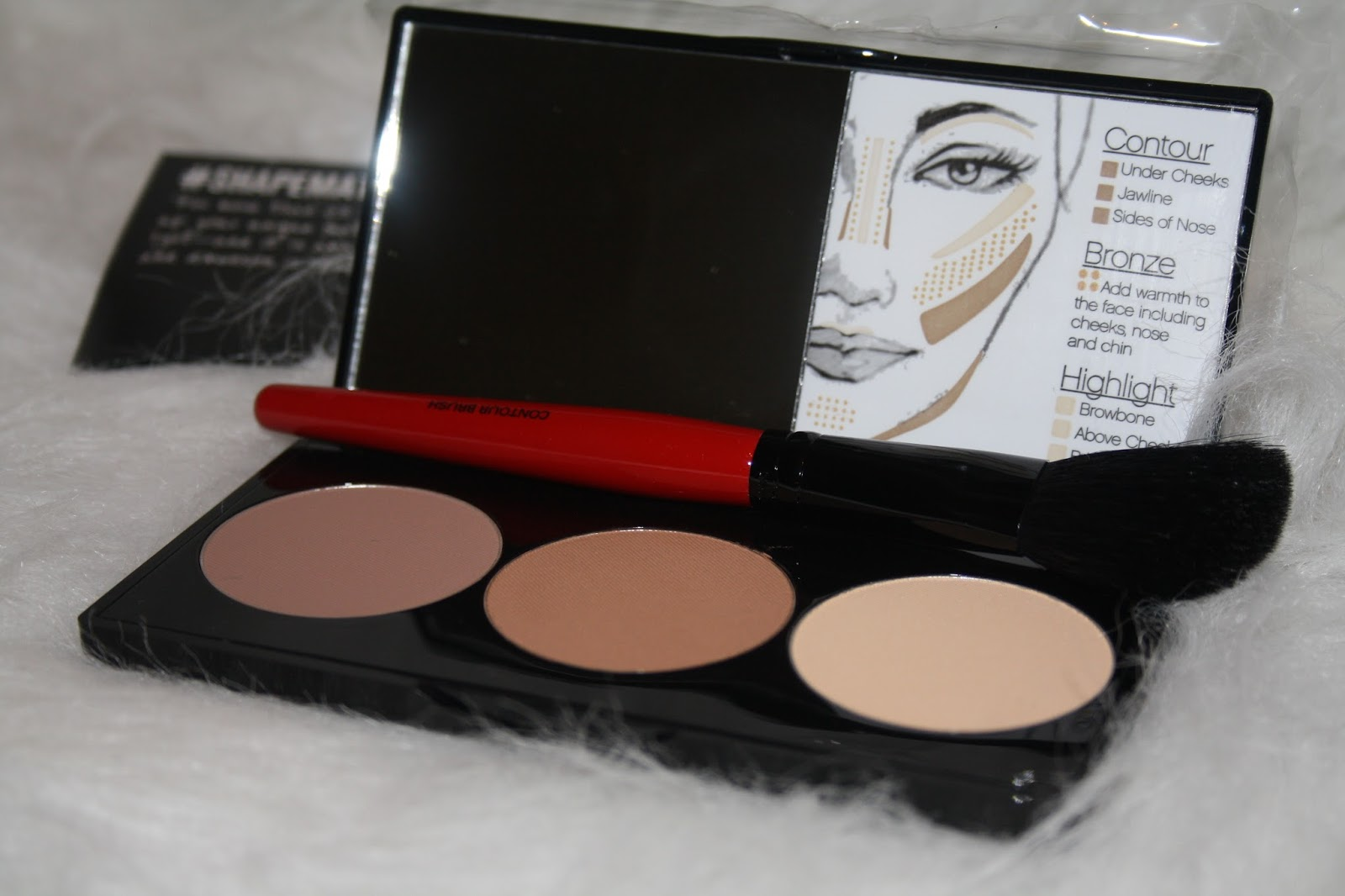 Smashbox Cosmetics Contour Palette and Brush