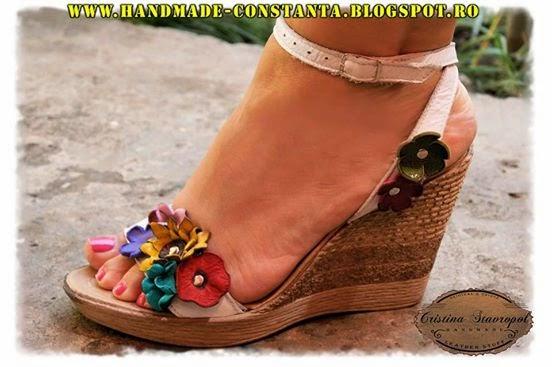 Кожаные сандалии, изготовленные на заказ ручной работы, уникальные.