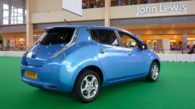 Nissan Leaf parked outside John Lewis department store