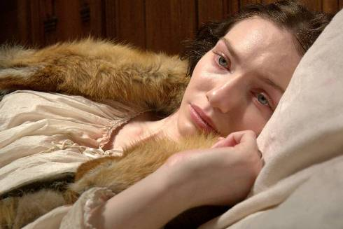 Eleanor Tomlinson as Isabel Neville