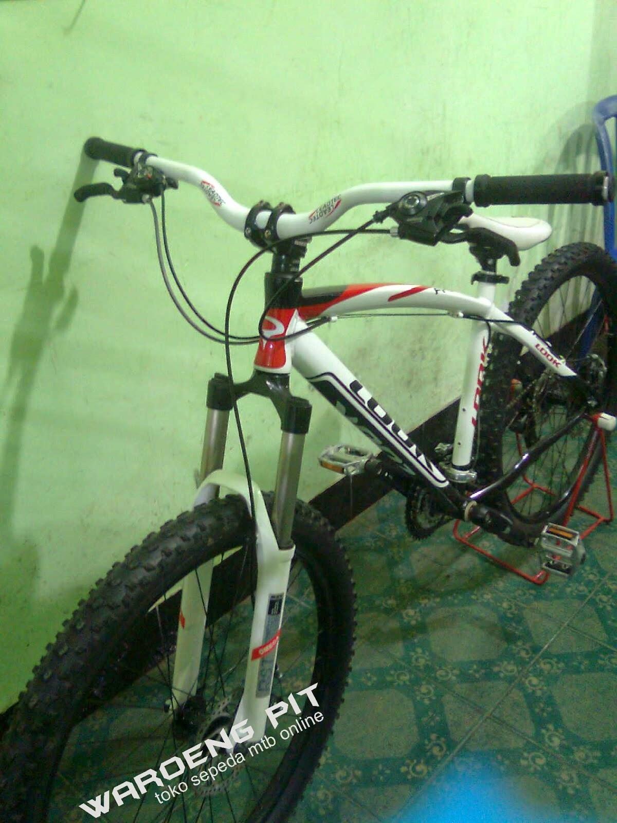 jual sepeda gunung mtb bekas look putih merah hitam full bike harga terjangkau dengan spare part suku cadang lumayan xc country  waroengpit 2