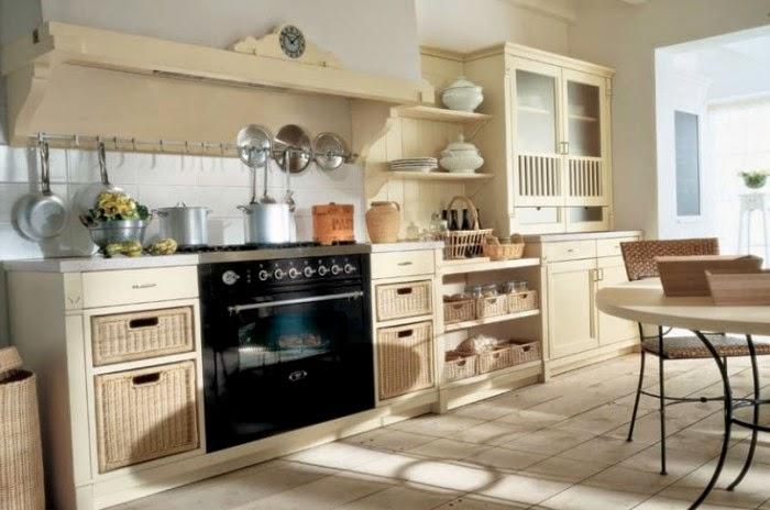Cocina de elegante color crema ideal para una casa amplia
