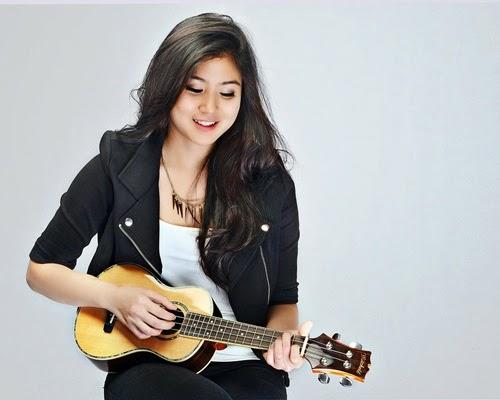 Lagu Knock Knock Elizabeth Tan