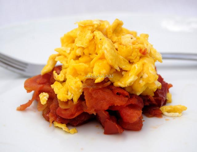 http://www.asopaipas.com/2014/03/revuelto-de-huevo-y-tomate-chao-jidan.html