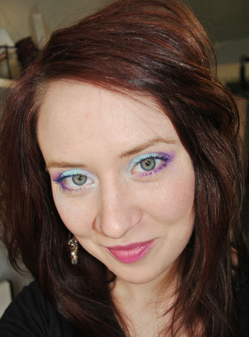 makeup photo a day, pink lips, colorful eyeshadow, makeup tips, blue mascara