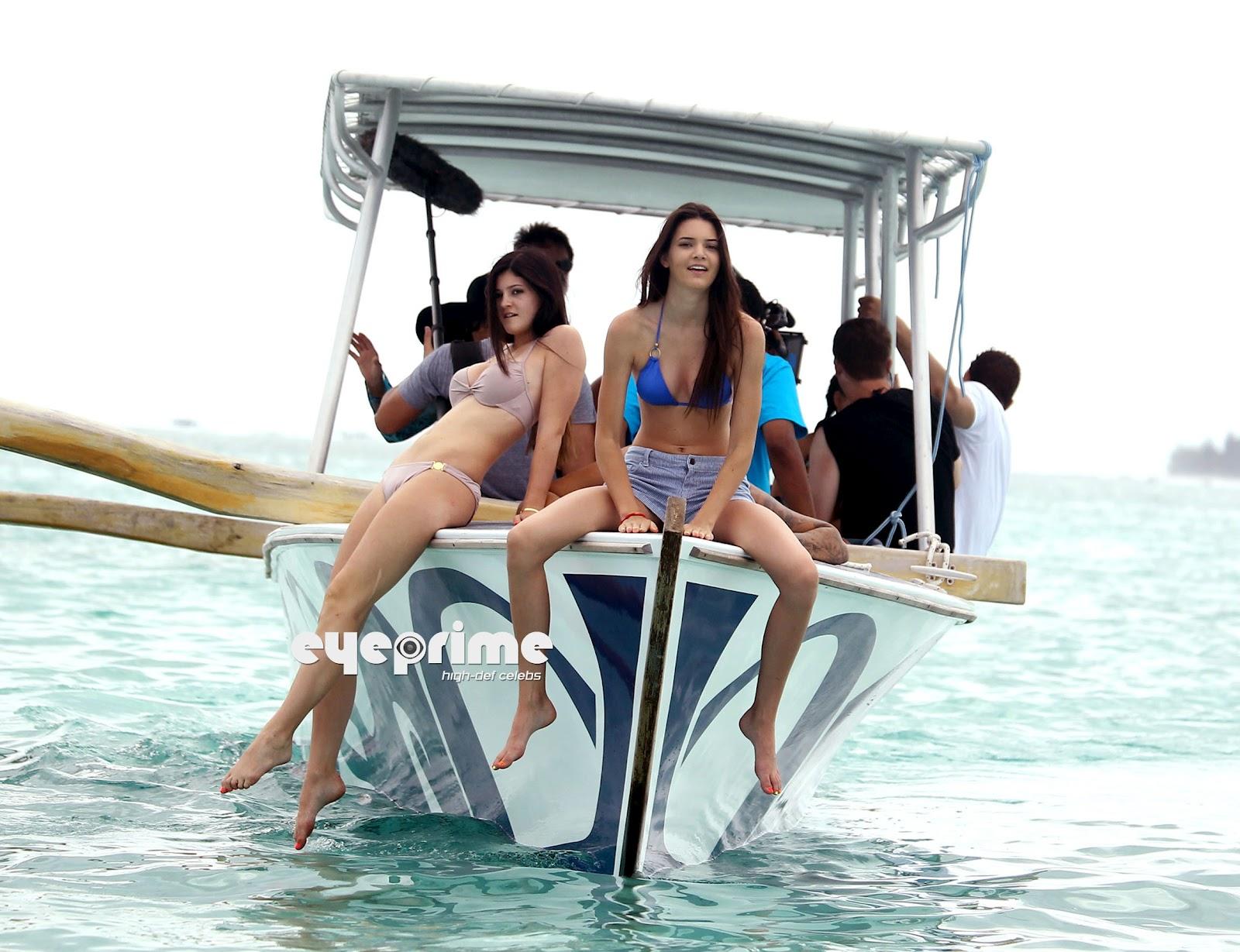 http://2.bp.blogspot.com/-_IoEMQusvxw/T1ElmIEPpVI/AAAAAAAACHc/b9Q-IpToKsk/s1600/Kreepy%21+Kendall+and+Kylie+Jenner+,6.jpg