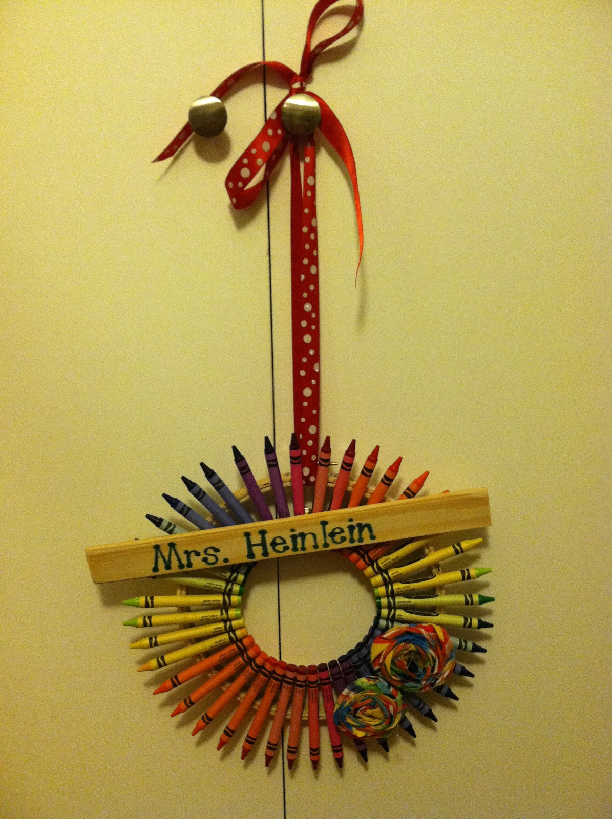 Nicole\u002639;s Crafting Adventure: Pinterest Craft  Crayon Wreath
