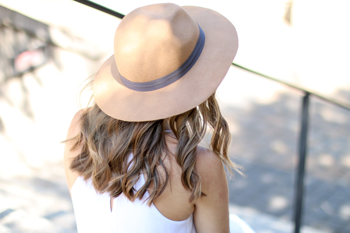 Express tan wool hat