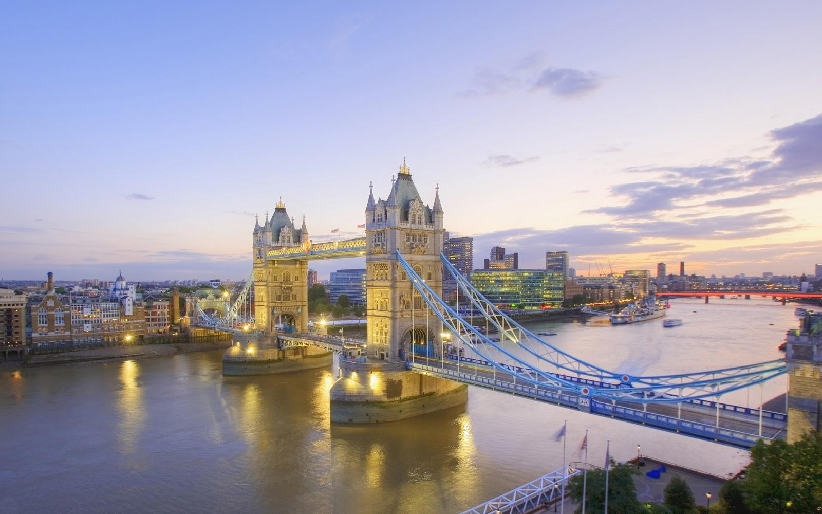 http://2.bp.blogspot.com/-_J4GBo0xPTI/UKnvRrZB_6I/AAAAAAAAA2g/05vMli-vtpY/s1600/wallpaper-windows-seven-london-england-bridge-river-nature-thames-tower-14155.jpg
