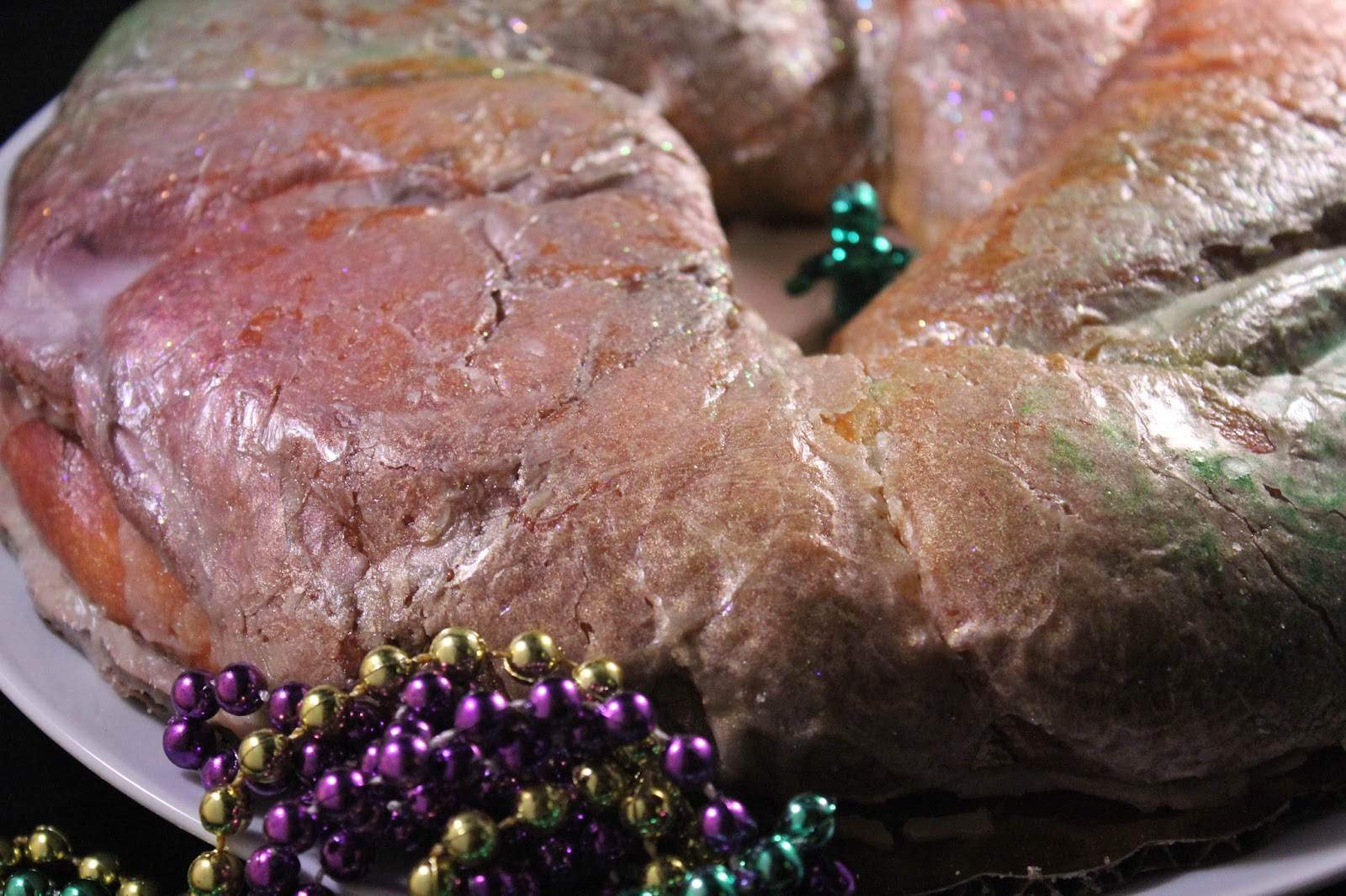 ... : Giveaway: Sucré's King Cake And New Orleans Pecan Praline Coffee