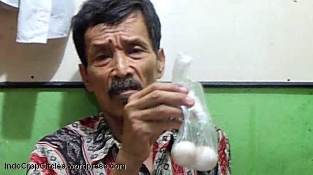 Geger: Seorang Kakek di Jakarta Utara Bertelur