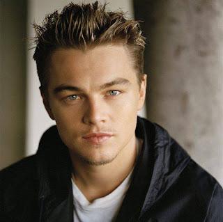 Leonardo DiCaprio navegando em novas praias