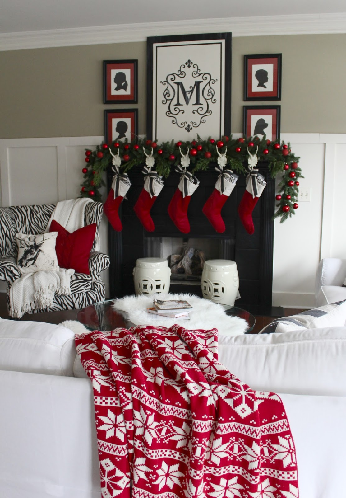 The yellow cape cod christmas home tour 2014 for Cape cod decor