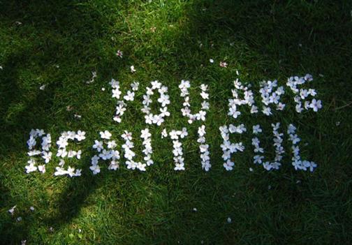 http://2.bp.blogspot.com/-_JOEkwJhq10/TuIRErB2DbI/AAAAAAAAAZU/3iVWdlu6rwo/s1600/you+are+beautiful.jpg