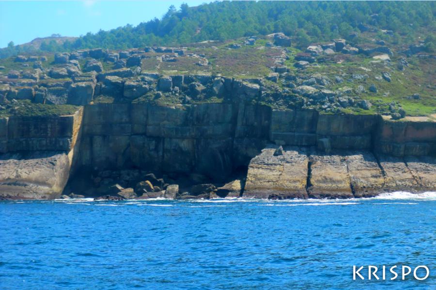 cantera de jaizkibel desde el mar