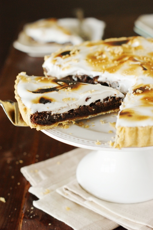 ... this made-in-the-oven totally rich and scrumptious Fudgy S'mores Pie