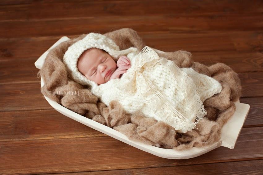 sesja fotograficzna dziecięca, artystyczne zdjęcia noworodków, fotografia niemowlęca, sesje zdjęciowe na prezent