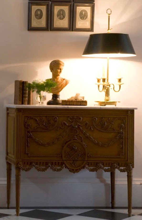 Beautiful intricately carved chest in the Belgian home of Greet Lefevre of Belgian Pearls. Belgian style furniture and interior design.#belgianpearls #belgianstyle #belgiandesign #europeancountry #belgianlinen #belgianfurniture