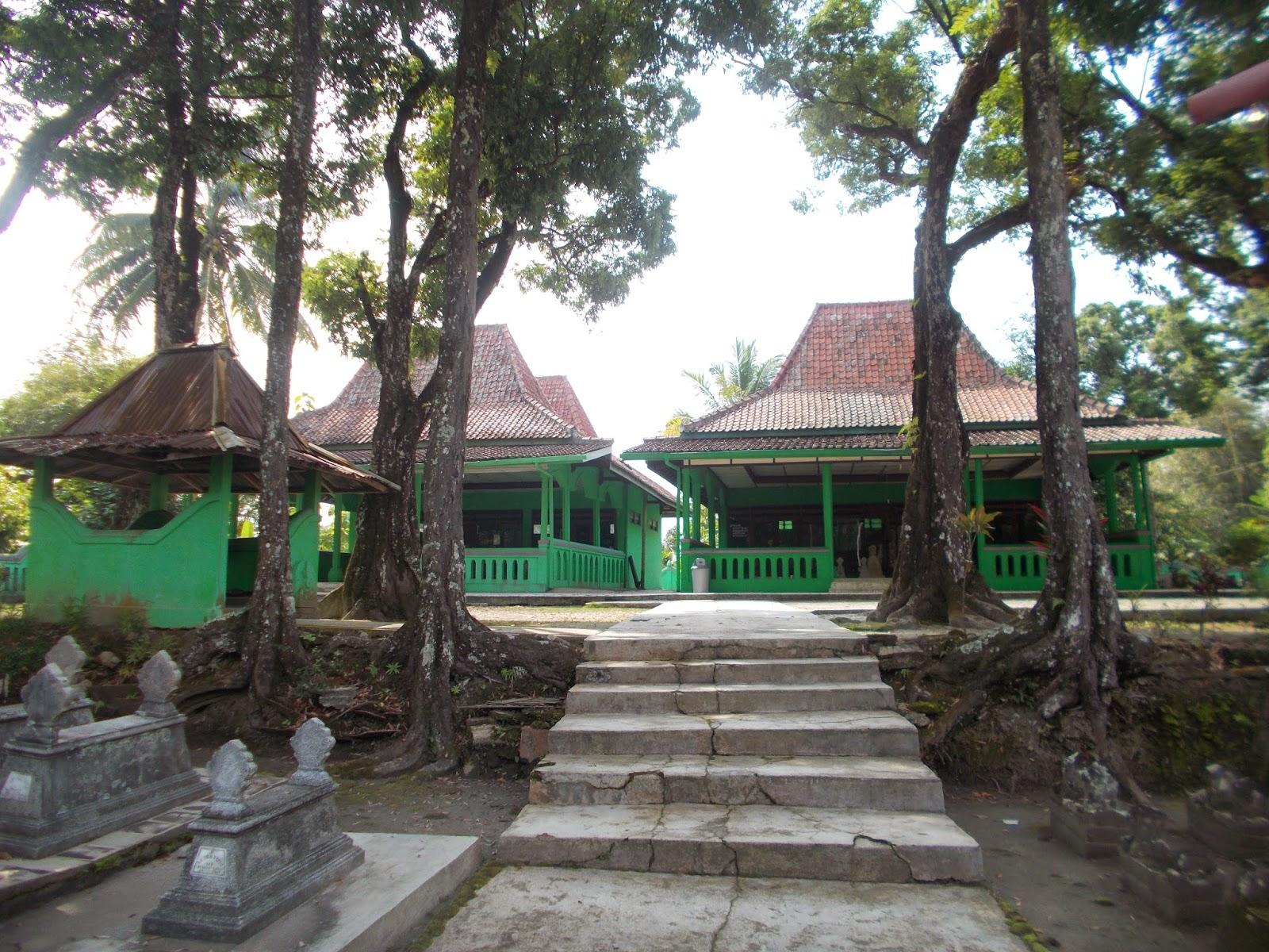Wisata Kulonprogo Makam Nyi Ageng Serang