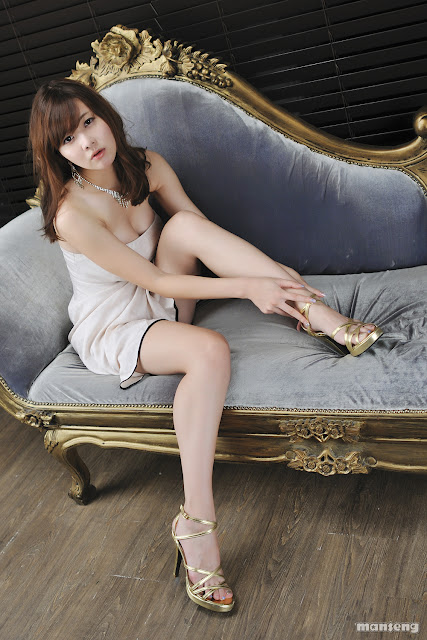 7 Jung Se On - Strapless Mini Dress-very cute asian girl-girlcute4u.blogspot.com