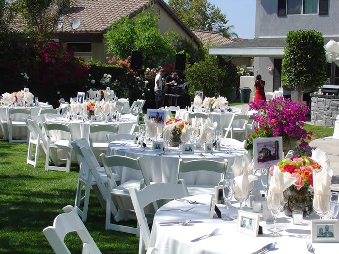 Back Yard Wedding Ceremonies source 2bpblogspotcom