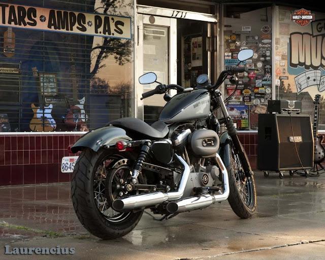 Harley-Davidson-Sportster_Nightster_XL1200N