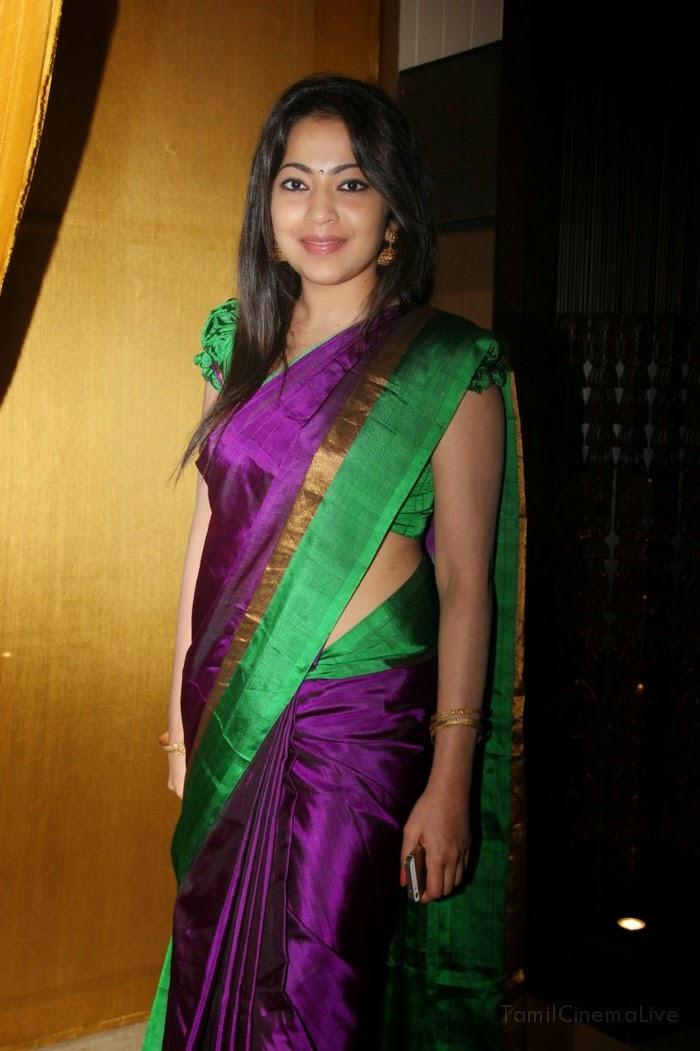 Karthika Nair Hot Navel In Saree COOGLED: CELEBRI...