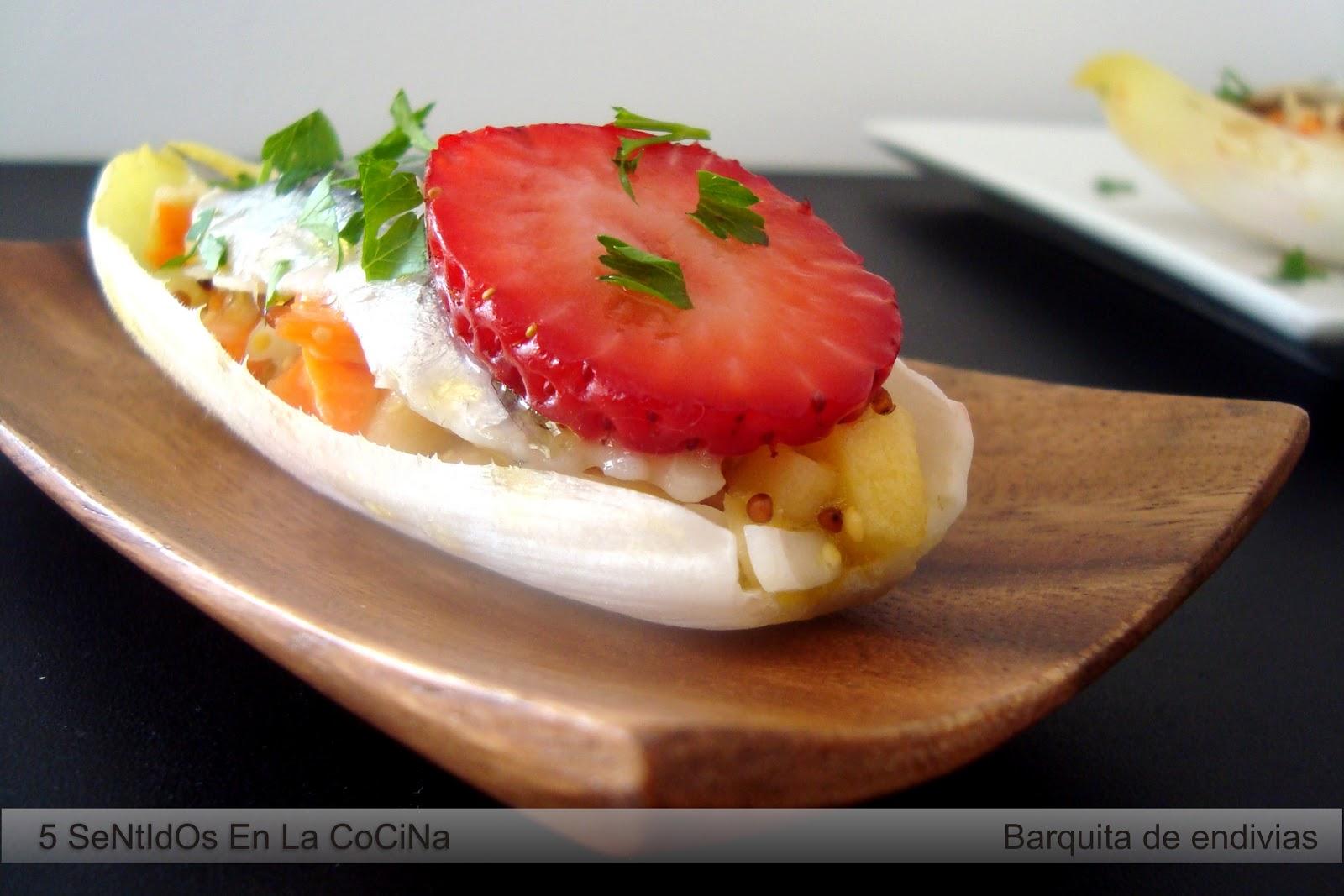 5 sentidos en la cocina barquitas de endivia con for Cocina 5 ingredientes jamie