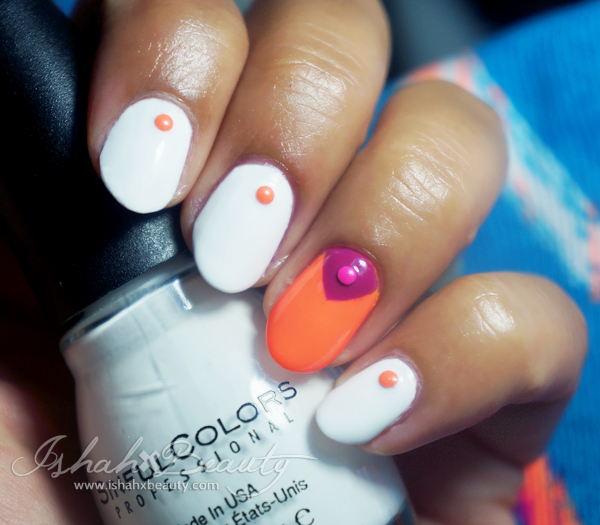summer nail trend neon