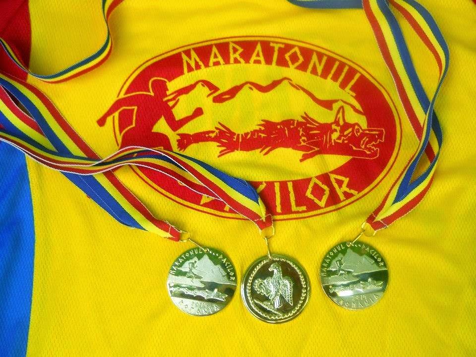Medaliile şi tricourile de la Maratonul Dacilor 2014