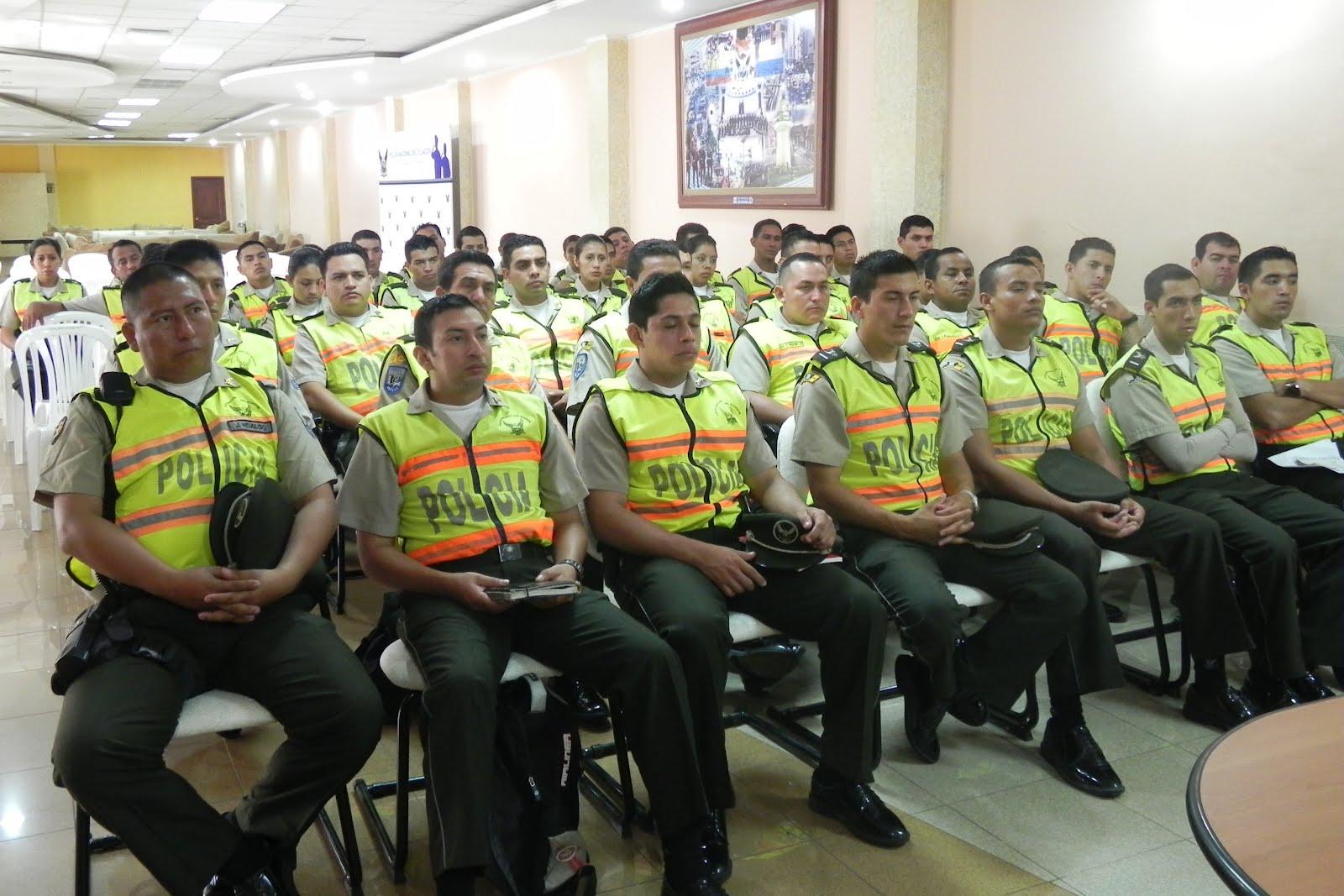 Resultado de imagen para 6 mil policías se capacitaron en nuevo reglamento de la Policía Nacional