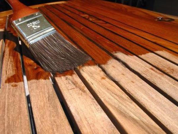 Barnizar madera hacer bricolaje es for Porticones madera exteriores