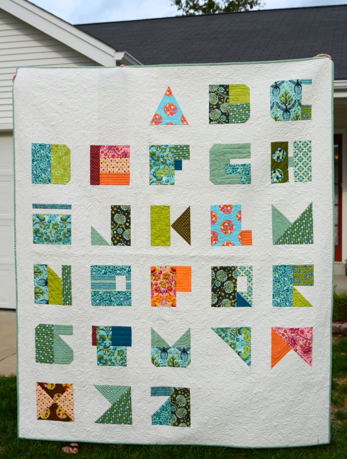 Quilt Patterns With Letters : Hyacinth Quilt Designs: Tula Pink s Modern Alphabet