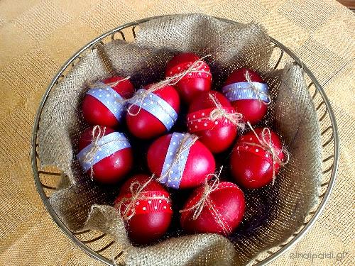 Κόκκινα πασχαλινά αυγά
