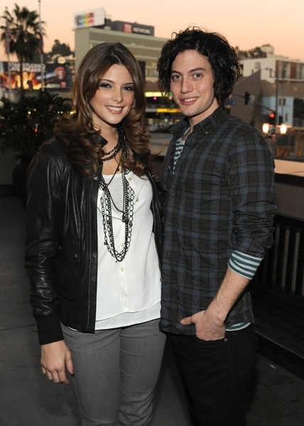Is ashley greene dating jackson rathbone 2011
