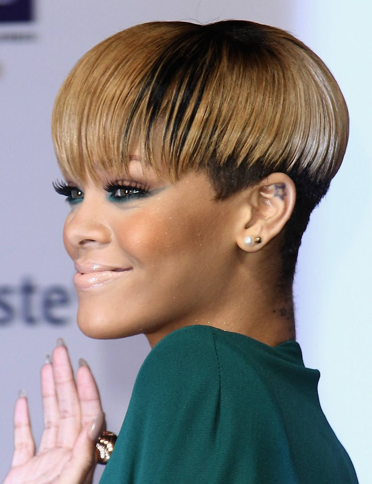 Pics Of Rihanna Short Hairstyles Short Hairstyles For Women And Man